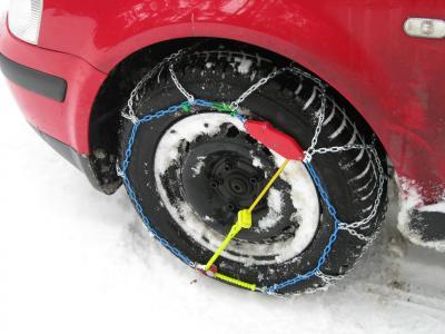 Catene da neve: obblighi e utilizzo