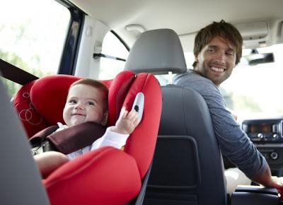 Bimbi in Auto Senza Seggiolino: le Nuove Norme Inaspriscono Sanzioni