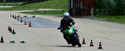 Corso di Guida Sicura per la Moto: a Cosa Serve e Quali Sono i Costi?