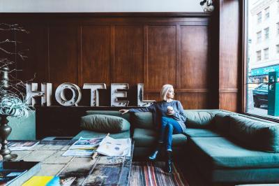 Danni all'albergo? I rischi degli ospiti
