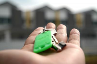 Assicurazione casa in affitto: a chi spetta pagarla e quali sono le coperture