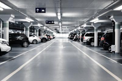 Assicurazione Copre i Danni per Auto Ferma al Parcheggio?